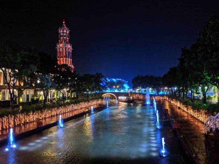 光と噴水の運河クルーズ